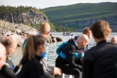 Op de boot naar de Kungsfjäll Trail